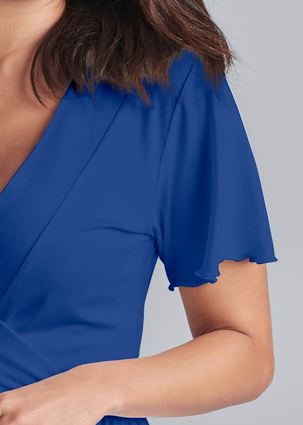 Detail front view Casual Wrap Top
