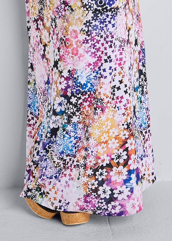 Detail front view Printed Maxi Dress