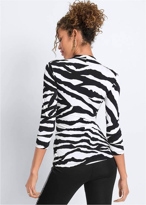 Cropped back view Mixed Print V-Neck Top