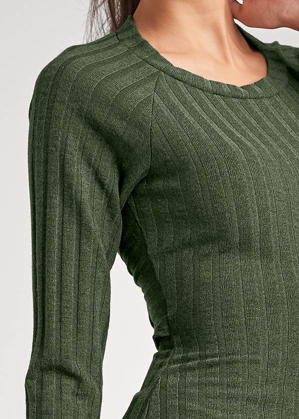 Detail front view Ribbed Twist Back Top