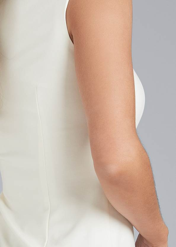 Detail back view Square Neck Sleeveless Top