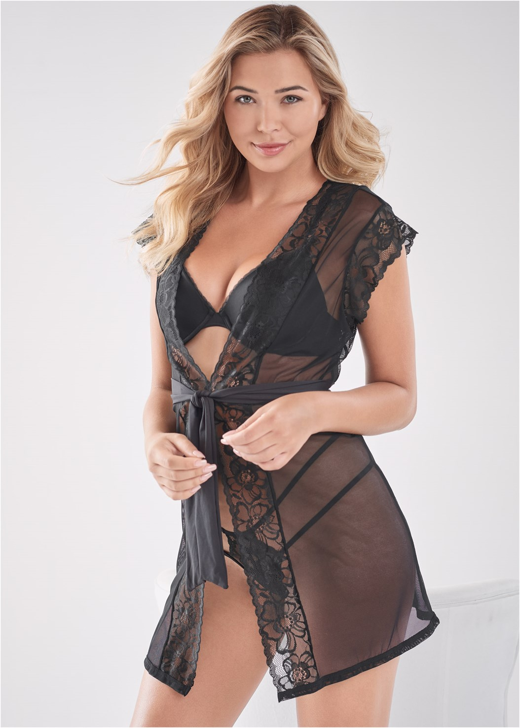 Lace Short Sleeve Robe