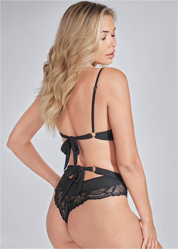 Cropped back view Lace Bra And Panty Set