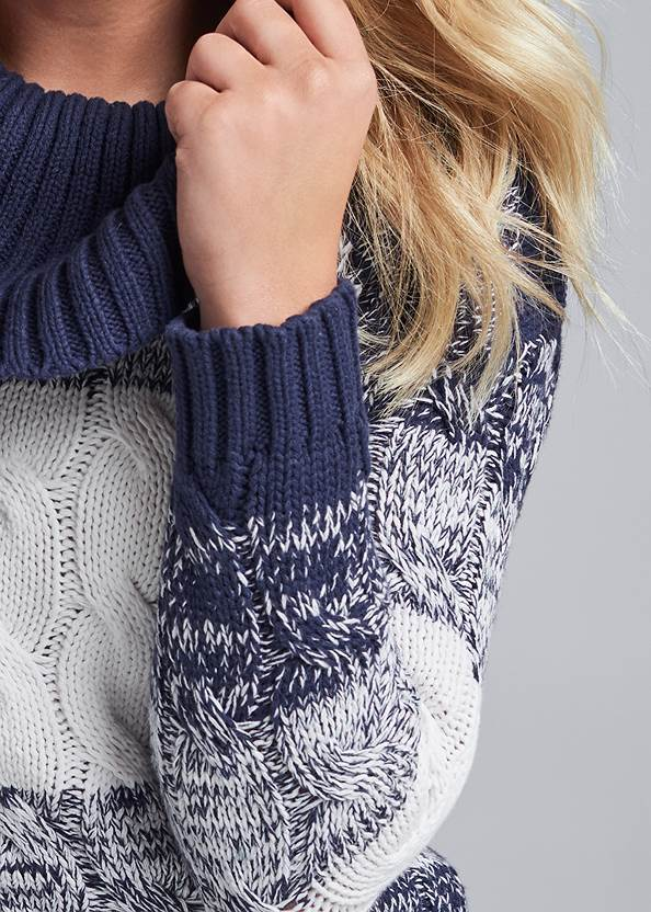Detail front view Marled Striped Turtleneck
