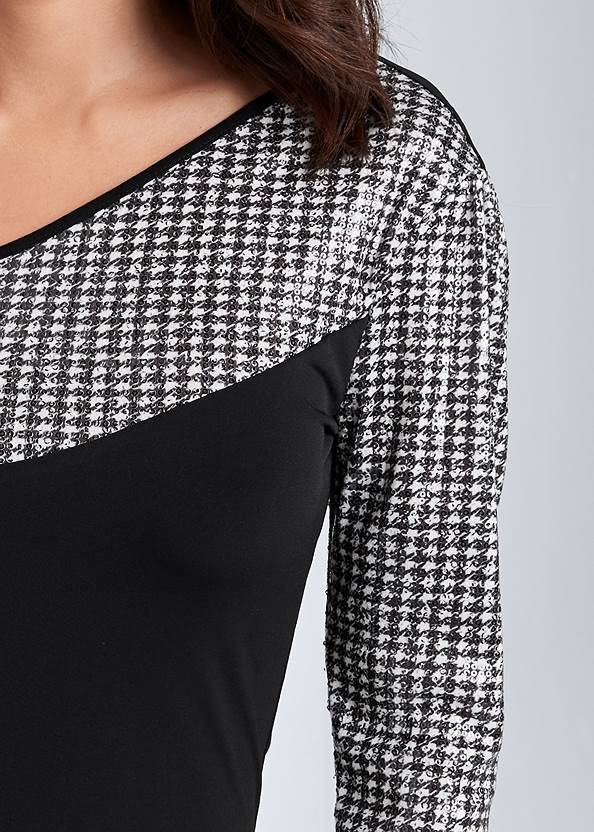 Detail front view Sequin Houndstooth Top