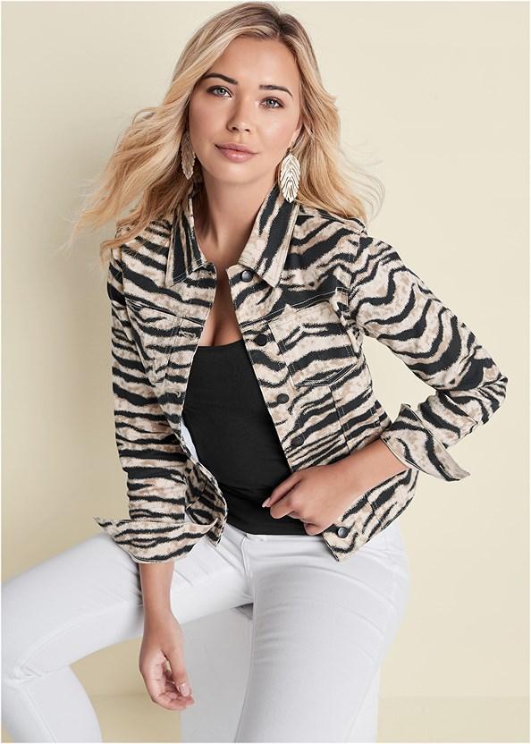 Jean Jacket,Easy Halter Top,Bum Lifter Jeans,Square Toe Thong Heel Sandal,Pearl Resin Leaf Earring,Animal Chain Crossbody Bag