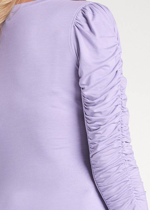 Detail back view Ruched Sleeve Top