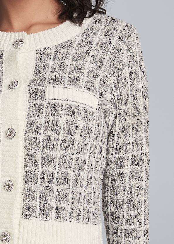 Detail front view Boucle Skirt Set