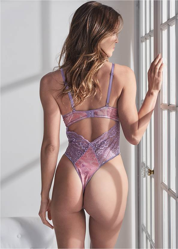 Cropped back view Floral And Lace Teddy