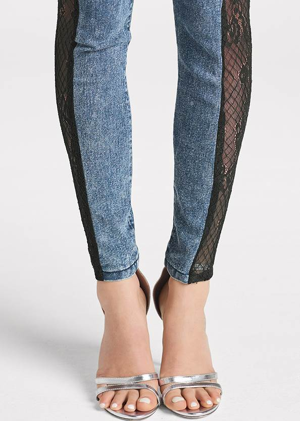 Detail front view Lace Inset Skinny Jeans