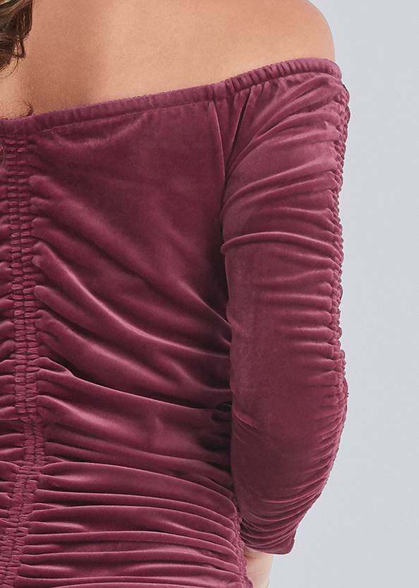 Detail back view Off-The-Shoulder Velvet Top