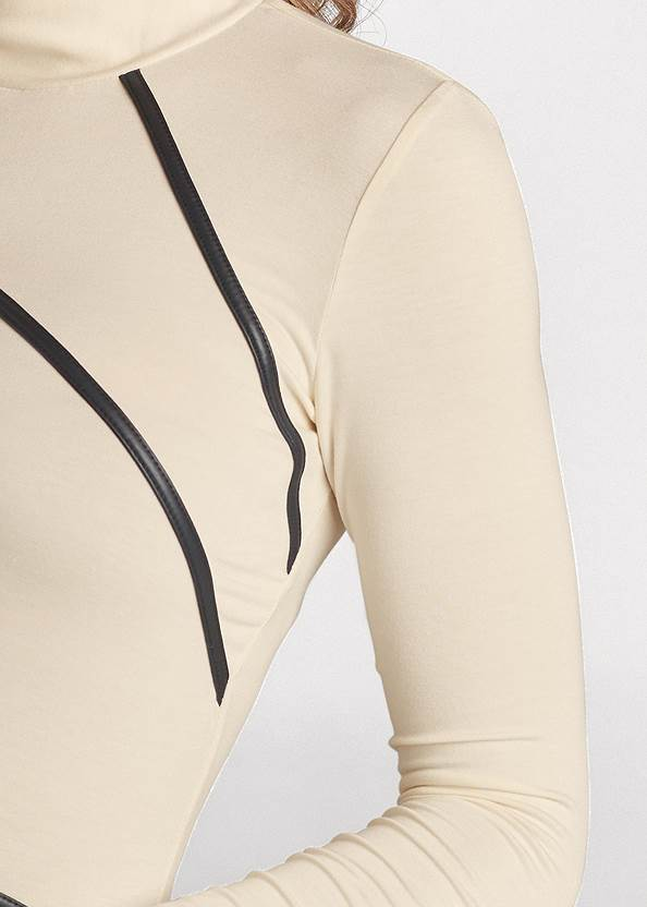 Detail front view Mock Neck Top