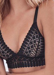 Detail front view Geo Lace Bra And Panty Set