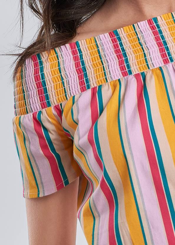 Detail front view Short Set