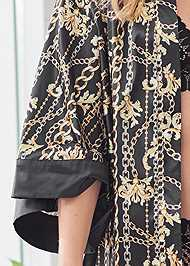 Detail front view Robe