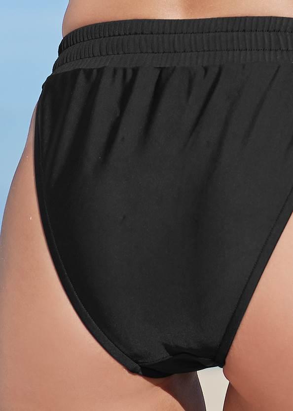Detail back view Sporty High Leg Bottom