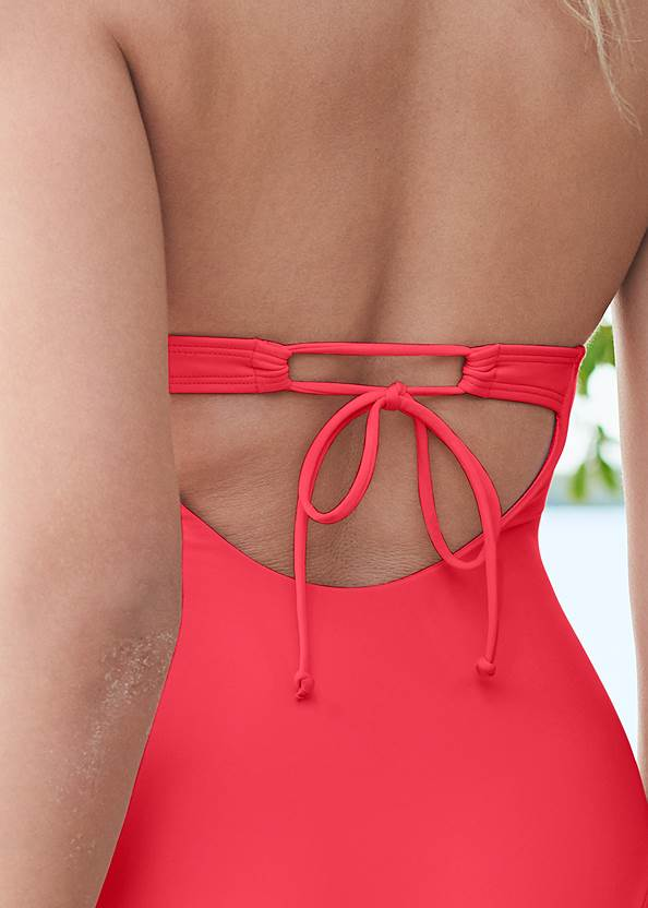 Detail back view Sustainable Scoop One-Piece