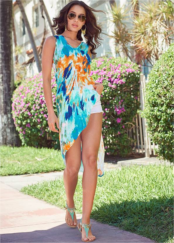 Ribbed Tie Dye Tunic Top,Frayed Cut Off Jean Shorts,Feather Charm Thong Sandals,Tassel Hoop Earrings