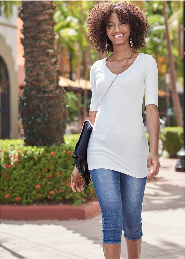 Color Capri Jeans,Long And Lean V-Neck Tee,Mid Rise Color Skinny Jeans,Frayed Cut Off Jean Shorts,High Heel Strappy Sandals,Etched Metal Upper Arm Band,Ombre Macrame Crossbody