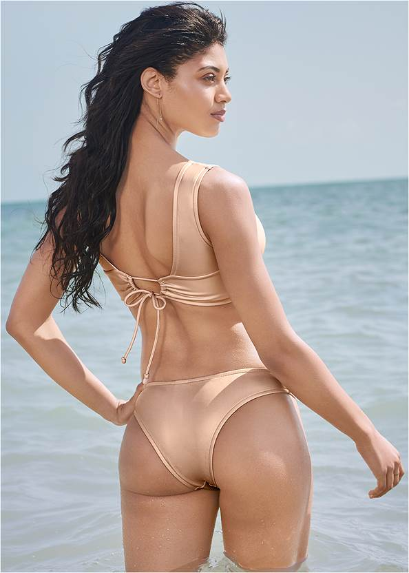 Full back view Sports Illustrated Swim™ The Hula Underwire Top