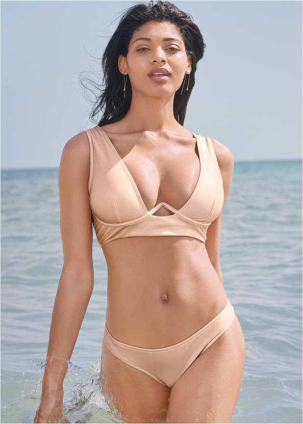 Sports Illustrated Swim™ The Hula Underwire Top,Sports Illustrated Swim™ Low Rise Brief Bottom
