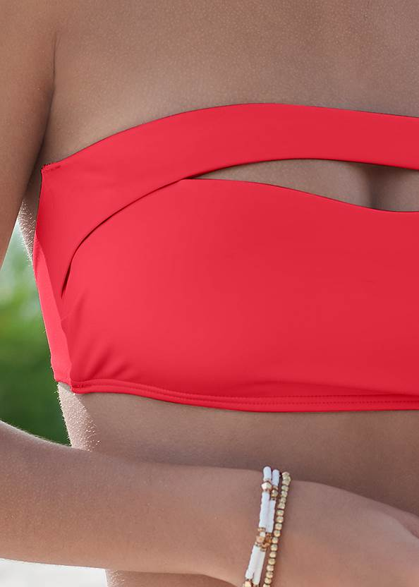 Detail front view Sustainability Bandeau Top