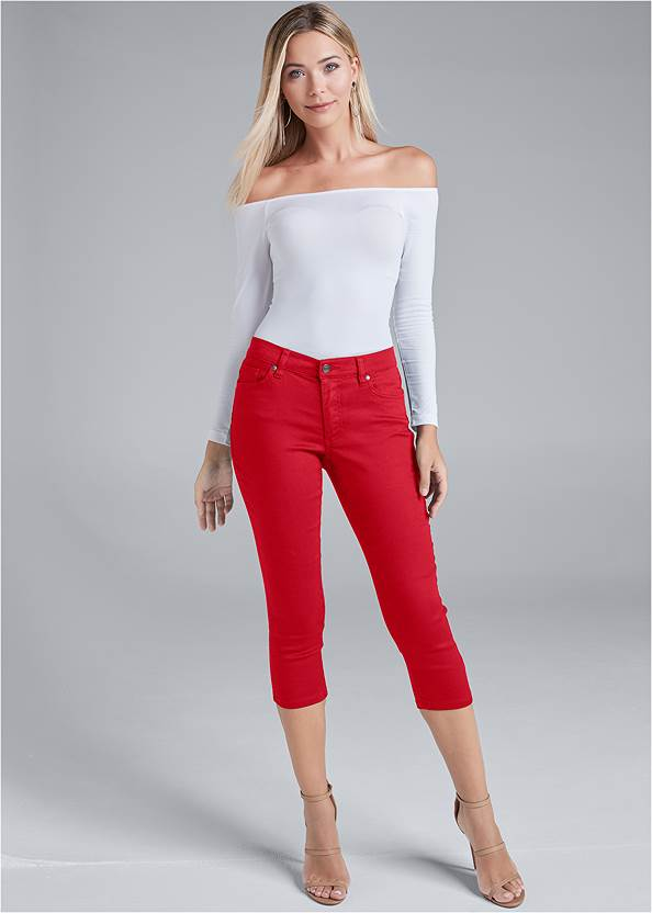 Color Capri Jeans,Off The Shoulder Top,Back Detail Top,High Heel Strappy Sandals,Quilted Handbag With Charm