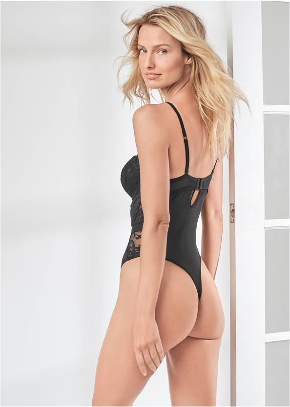 Cropped back view Strappy Teddy With Cups