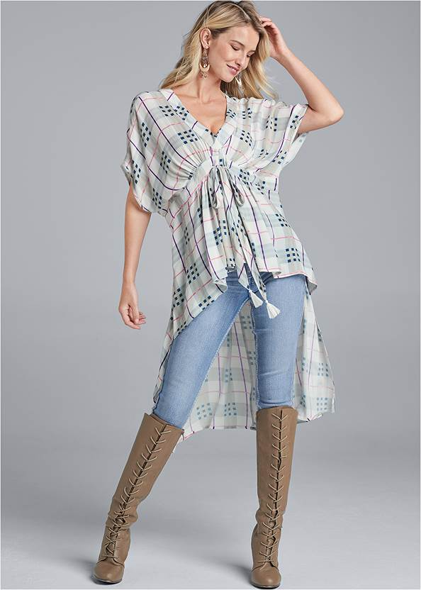 High-Low Plaid Top,Mid Rise Color Skinny Jeans,Elastic Waistband Jeans,Lace Up Tall Boots,Boho Chandelier Earrings
