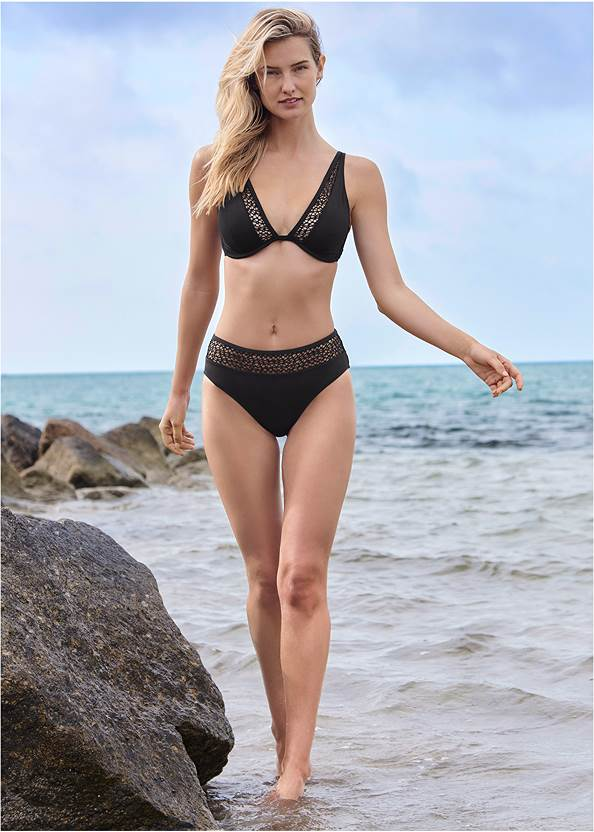 Full Front View Elyse Underwire Top