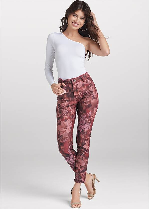 Reversible Jeans,One-Shoulder Seamless Top,Sexy Slingback Heels,Twist Hoop Earrings,Twist Handle Satchel Bag