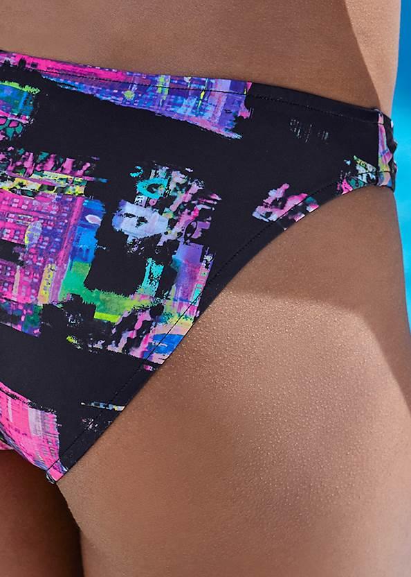 Detail back view Scoop Front Bikini Bottom