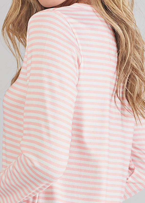Detail back view Henley Pullover Nightshirt