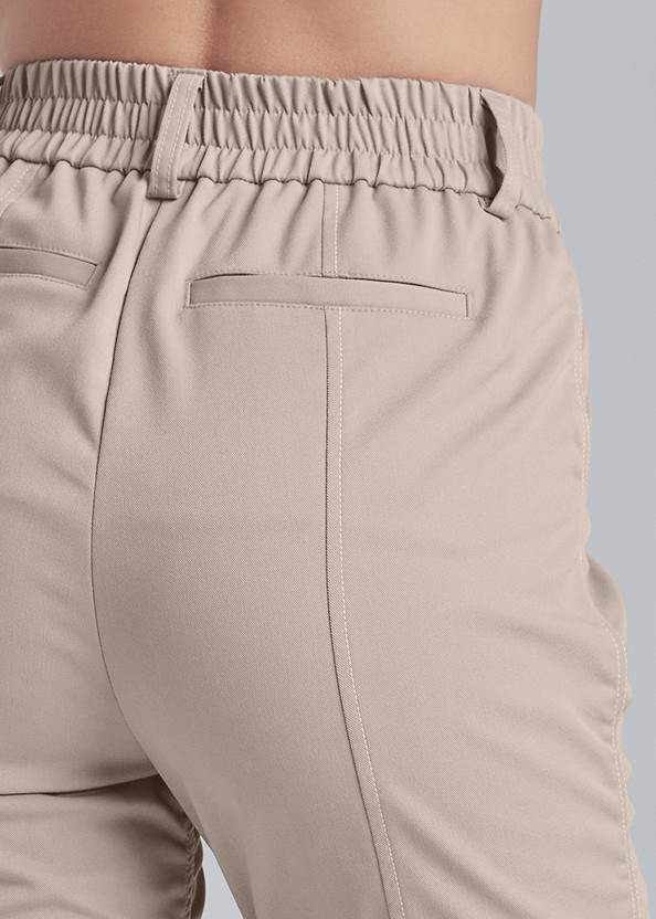 Detail back view Ruched Cargo Pant