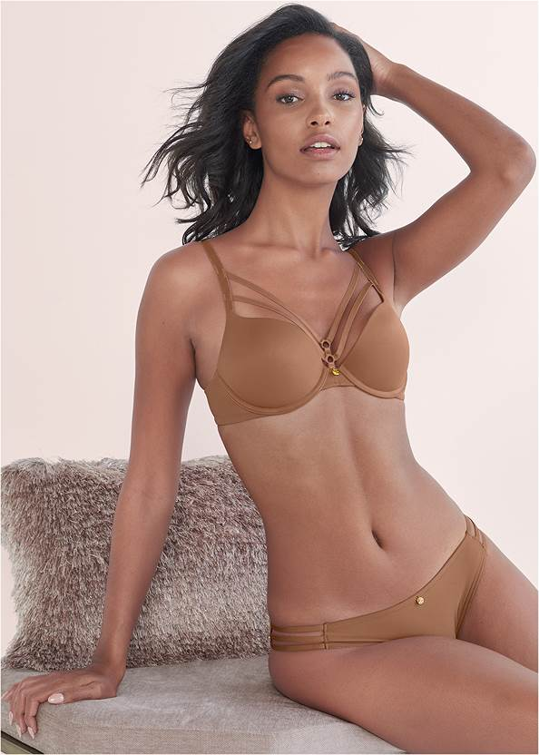Front View Pearl™ By Venus Strappy Plunge Bra