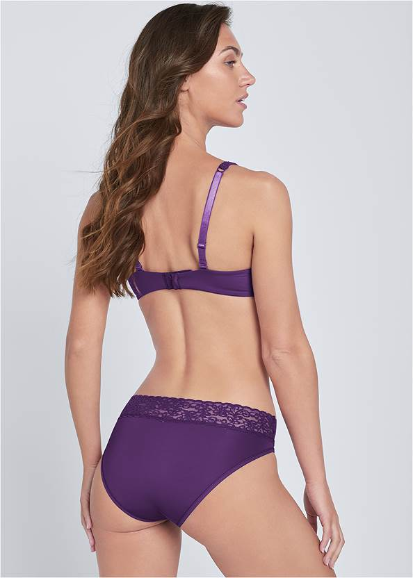 Cropped back view Pearl™ By Venus Perfect Coverage Bra