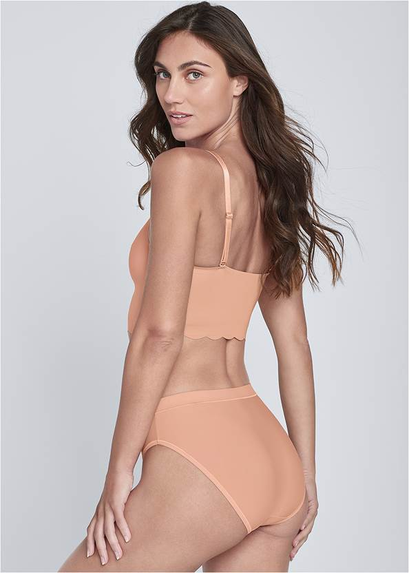 Cropped back view Pearl™ By Venus Scallop Bralette