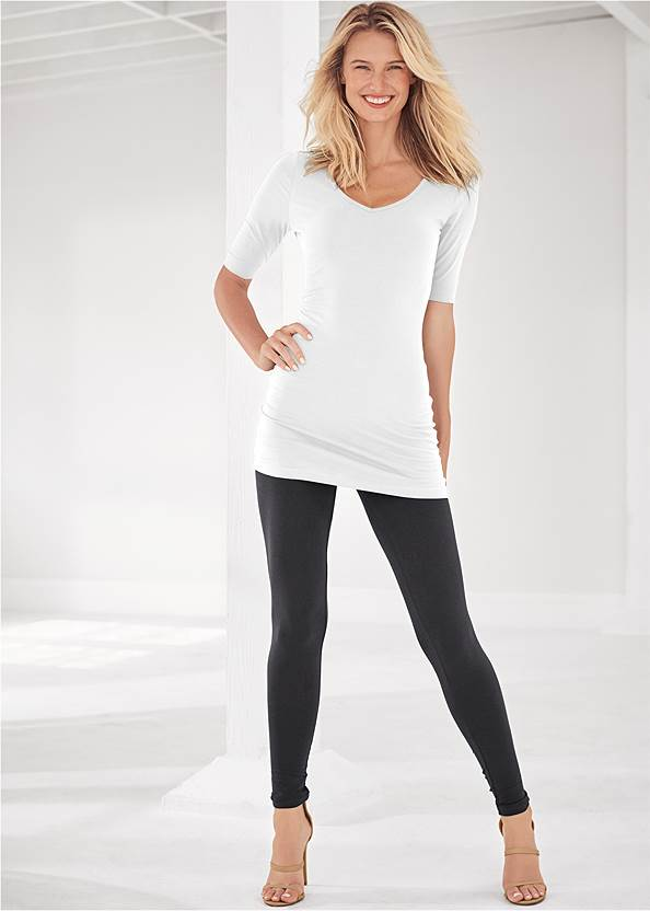 Basic Leggings,Long And Lean V-Neck Tee,Square Neck Tank Top,Double Strap Printed Sandal