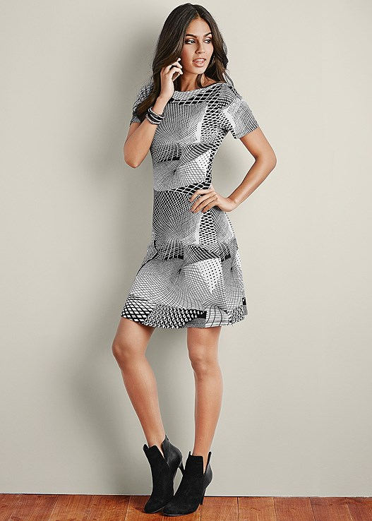 ABSTRACT PRINT DRESS,FAUX SUEDE POINTY BOOTIE