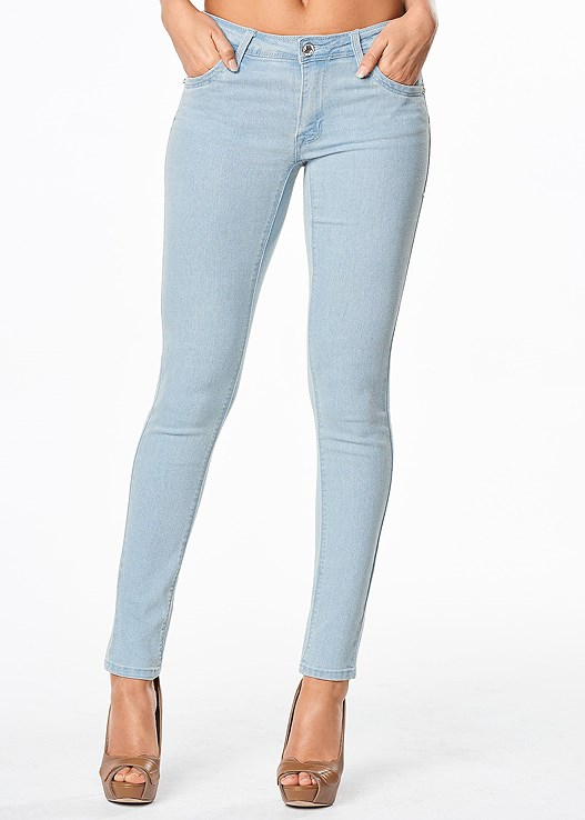 COLOR SKINNY JEANS,LONG AND LEAN TEE