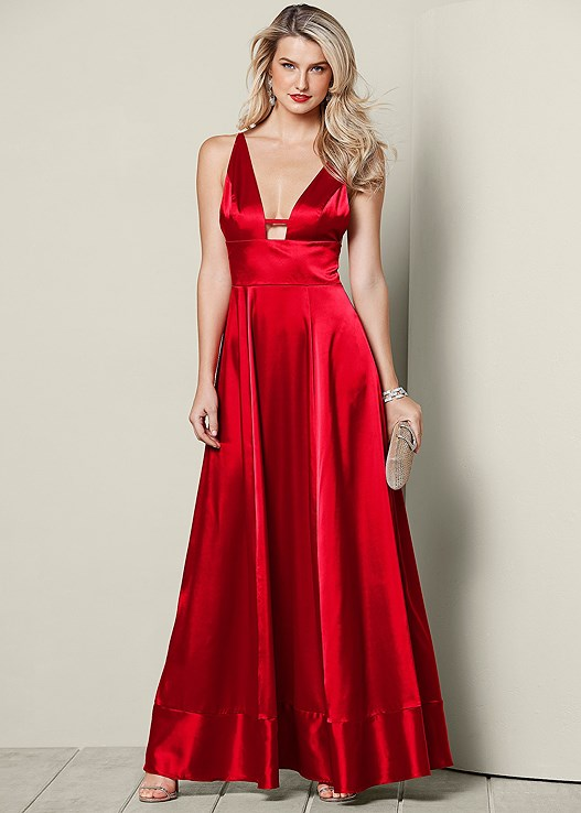 PLUNGING V-NECK LONG DRESS,HIGH HEEL STRAPPY SANDALS